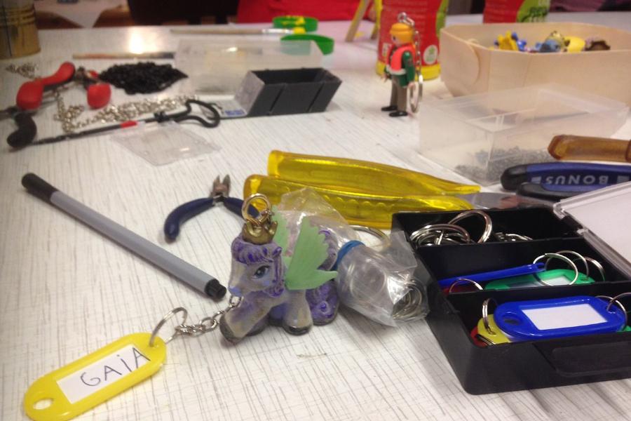 Materialien zum Basteln in der Upcycling Kinder Werkstatt